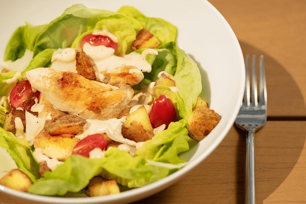 Salade César à la pomme de terre